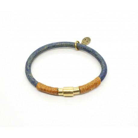 Light blue round leather bracelet